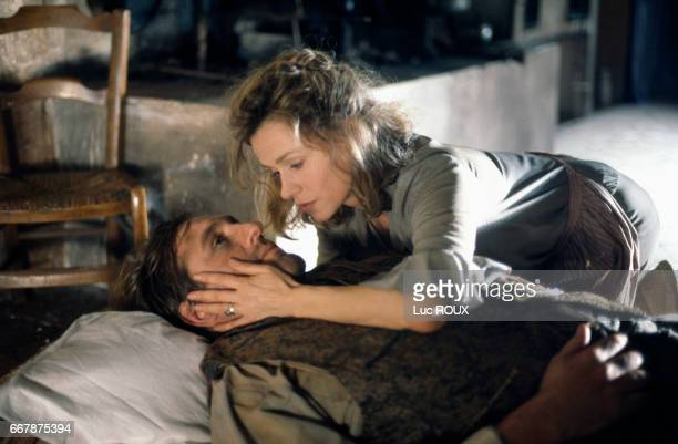 French actor Gerard Depardieu and French actress Elisabeth Depardieu on the set of the film Jean de Florette directed by Claude Berri