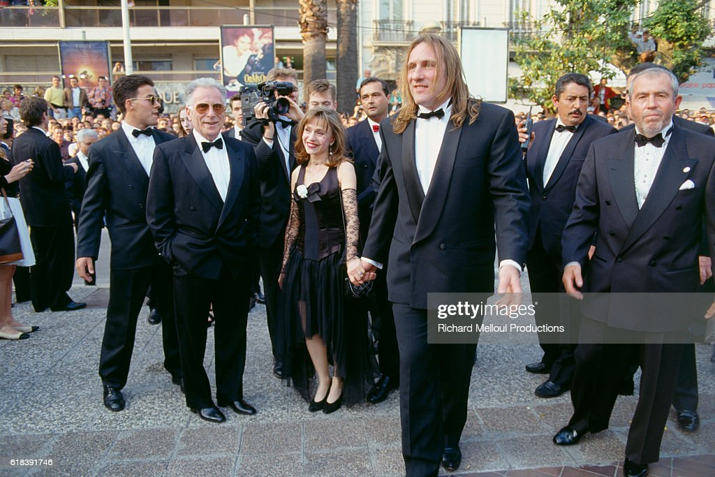 French Actor Gerard Depardieu and His Wife at Film Premiere : Photo d'actualité