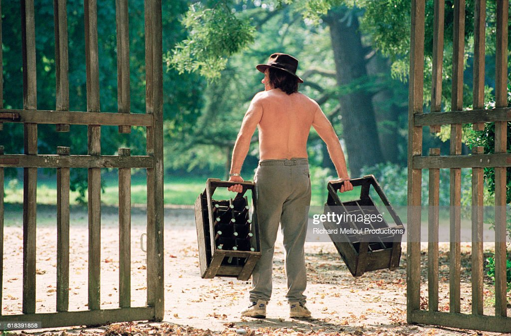 French Actor Gerard Depardieu at His Vineyard : Photo d'actualité