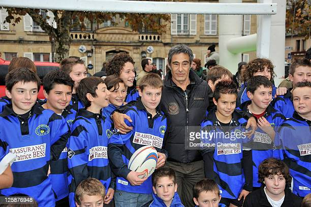 French actor Gerard Lanvin meets the rugby school of Sarlat during the 19th Festival du Film de Sarlat on November 9 2010 in SarlatlaCaneda France