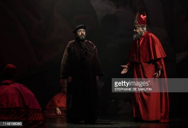 French actor Herve Pierre performs during a dress rehearsal of The Life of Galilee by German playwright Bertolt Brecht directed by French director...