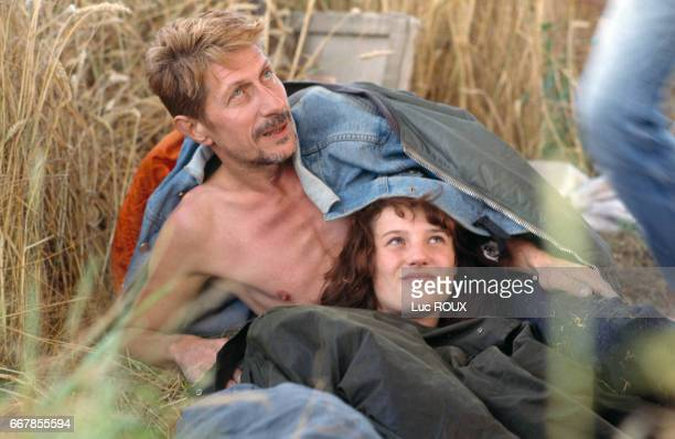 French actor Jacques Dutronc and French actress Alexandra London on the set of the film Van Gogh directed by Maurice Pialat