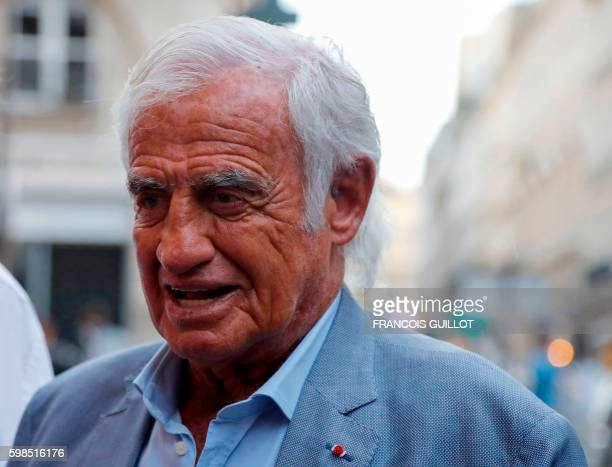 French actor JeanPaul Belmondo arrives for being awarded of the 'Prix du singe' in reference to the movie 'Un Singe en Hiver' and in tribute to...