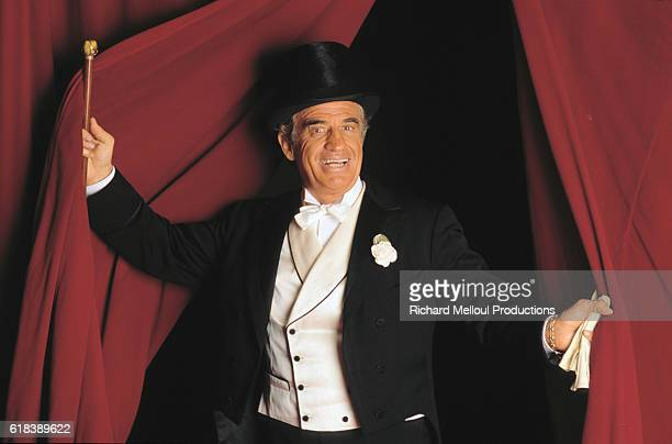 French actor JeanPaul Belmondo in the play Tailleur pour dames