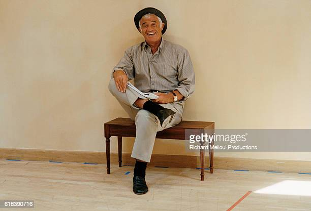 French actor JeanPaul Belmondo rehearsing the play La Puce a l'Oreille directed by Bernard Murat in Paris