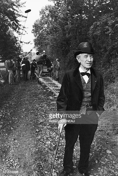 """French Actor Louis Ducreux During The Shooting Of """"Un Dimanche a La Campagne"""" Of Bertand Tavernier In 1984"""
