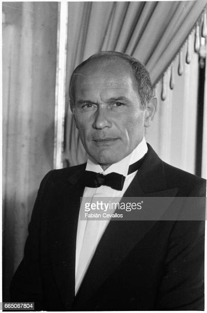 French actor Marcel Bozzuffi wears a tuxedo on the set of French director Edouard Molinaro's 1980 movie La Cage aux Folles II