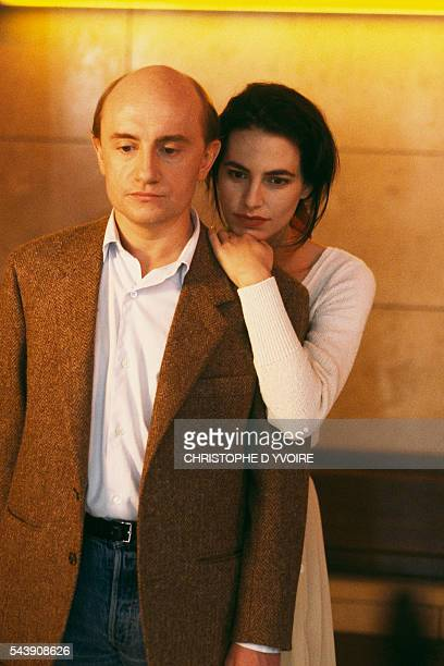 French actor Michel Blanc and Portugeseborn Belgian actress Lio on the set of the film Chambre a Part directed by Jacky Cukier