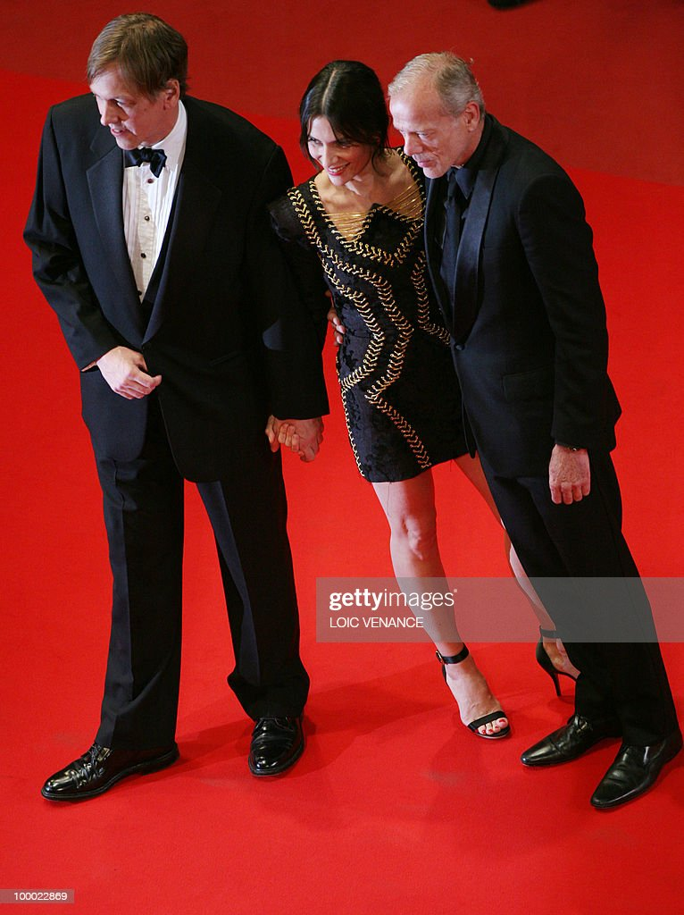 French actor Pascal Greggory (R), US director Lodge Kerrigan and French actress Geraldine Pailhas arrive for the screening of 'Rebecca H. (Return to the Dogs)' presented in the Un Certain Regard selection at the 63rd Cannes Film Festival on May 20, 2010 in Cannes.