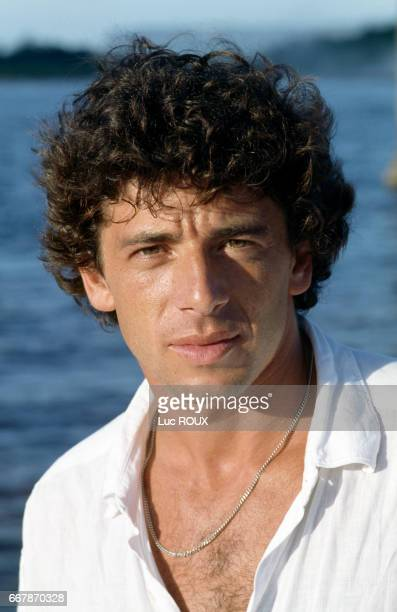 French actor Patrick Bruel on the set of the film Le Jaguar directed by Francis Veber