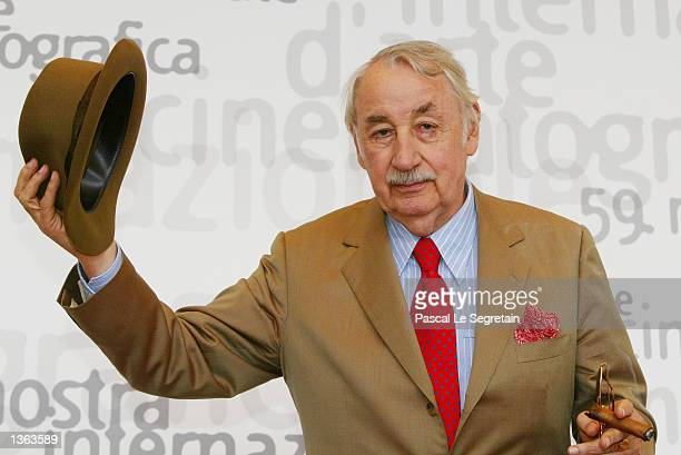 French actor Philippe Noiret gestures as he attends the 59th Venice Film Festival September 1 2002 in Venice Italy Noiret presents Philippe...