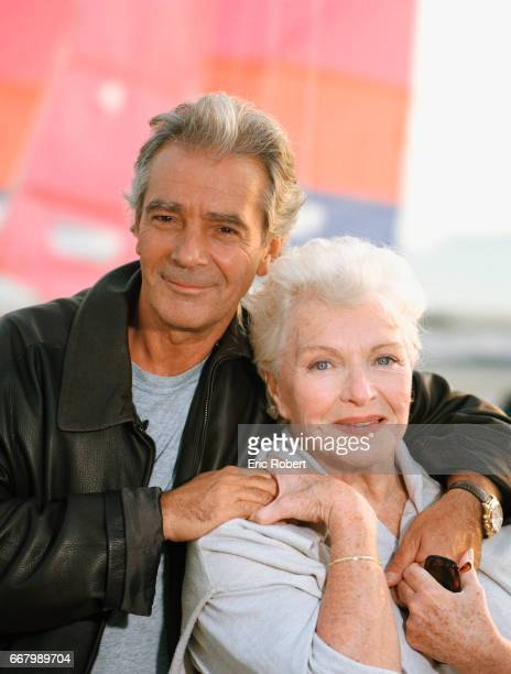 French actor Pierre Arditi and French actress and singer Line Renaud relax on a beach in La BauleEscoublac France
