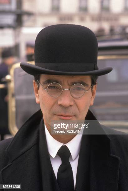 French actor Pierre Arditi on the set of Tv movie 'Les Grandes Familles' directed by Edourad Molinaro on September 21 1988 in Paris France