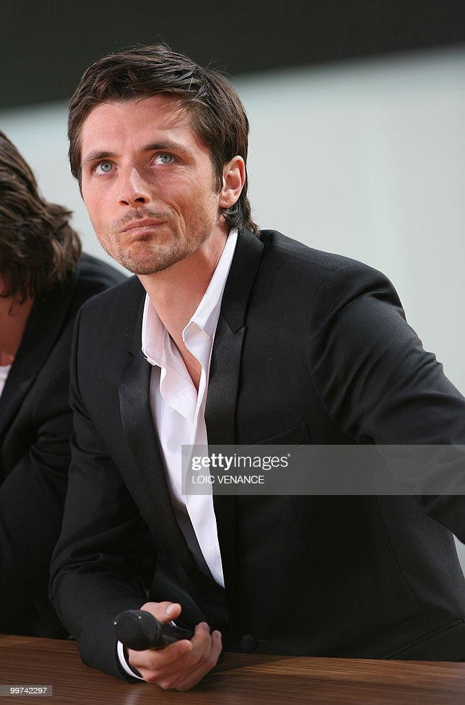 French actor Raphael Personnaz attends t : News Photo