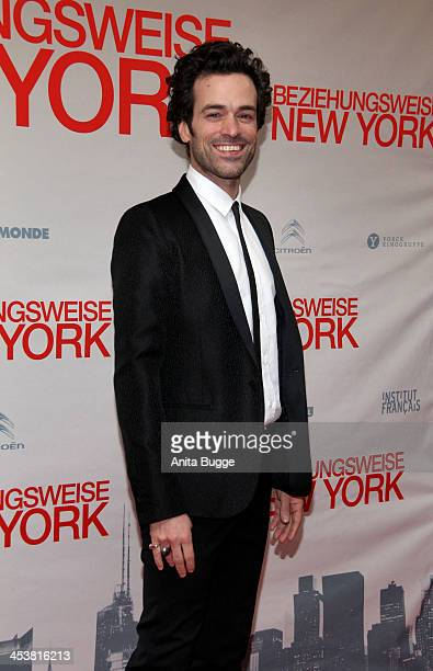 French actor Romain Duris poses on the red carpet on arrival for the opening film of the 13th French Film Week Berlin 'Casse Tete Chinois' at Kino...