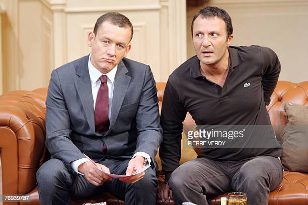"""French actors Arthur and Dany Boon perform during a rehearsal of the play """"Le d?ner de Cons"""", 19 September 2007 at the Theatre de la Porte..."""