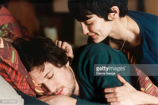 French actors Audrey Tautou and Guillaume Canet on the set of the film 'Ensemble c'est tout' directed by Claude Berri and based on Anna Gavalda's...
