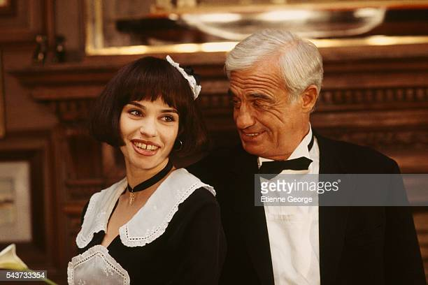 French actors Beatrice Dalle and JeanPaul Belmondo on the set of Désiré directed by French director Bernard Murat based on the Sacha Guitry's play by...