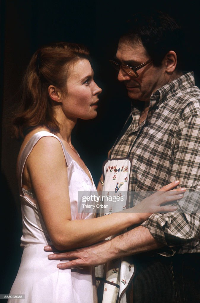 Candice Patou and Robert Hossein in Lorna and Ted : Photo d'actualité