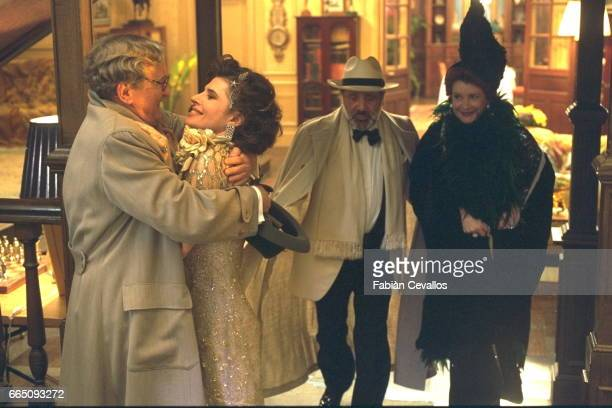 French actors Claude Rich Fanny Ardant Jean Yanne and Dominique Lavanant on the set of Désiré directed by French director Bernard Murat based on the...