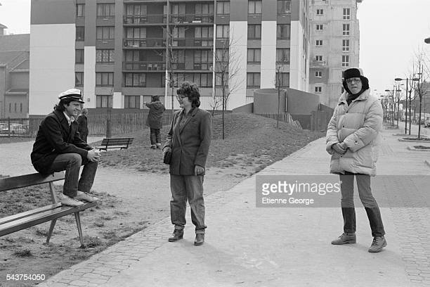 """French actors Daniel Auteuil and Josiane Balasko on the set of the film """"Les Hommes Preferent les Grosses"""" , directed by French director Jean-Marie..."""