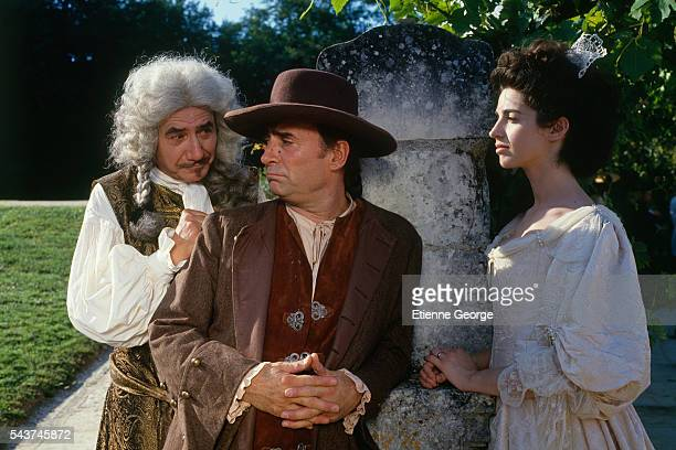 French actors Daniel Gelin Claude Brasseur and Zabou on the set of the film Dandin directed by French director Roger Planchon and based on Moliere's...