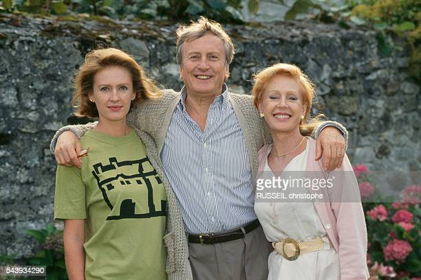 """French actors Delphine, Claude and Catherine Rich during the filming of the television film """"La Verite en Face"""", directed by Etienne Perrier."""