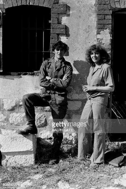 French actors Francis Huster and Anouk Ferjac pose on October 21 1978 in Nice on the set of the film 'Les Égouts du paradis' directed by José...