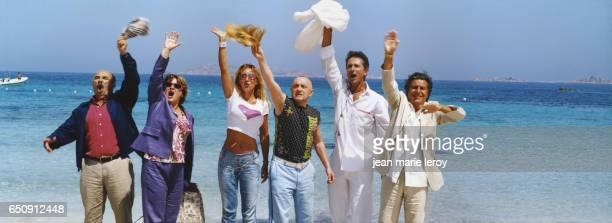 French actors Gerard Jugnot Josiane Balasko MarieAnne Chazel Michel Blanc Thierry Lhermitte and Christian Clavier on the set of Les bronzés 3 amis...