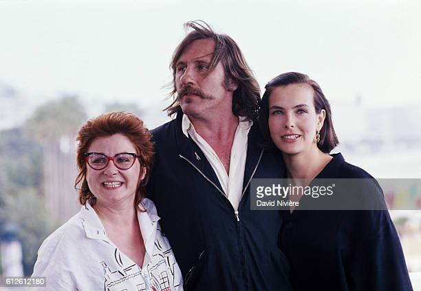 French actors Josiane Balasko Gérard Depardieu and Carole Bouquet during the promotion of the film by Bertrand Blier Trop belle pour toi which would...