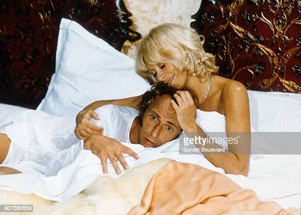 French actors Pierre Richard and Mireille Darc on the set of Le retour du grand blond written and directed by Yves Robert