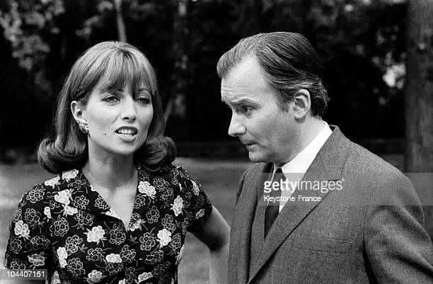 French actors Stephane AUDRAN and Michel BOUQUET in a scene from Claude CHABROL's film LA FEMME INFIDELE in Paris in 1969