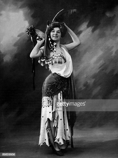 French actress Amelie Dieterle as Fathme in play 'Le Paradis de Mahomet' Paris photo by Felix from french paper 'Le Theatre' julmy 1906