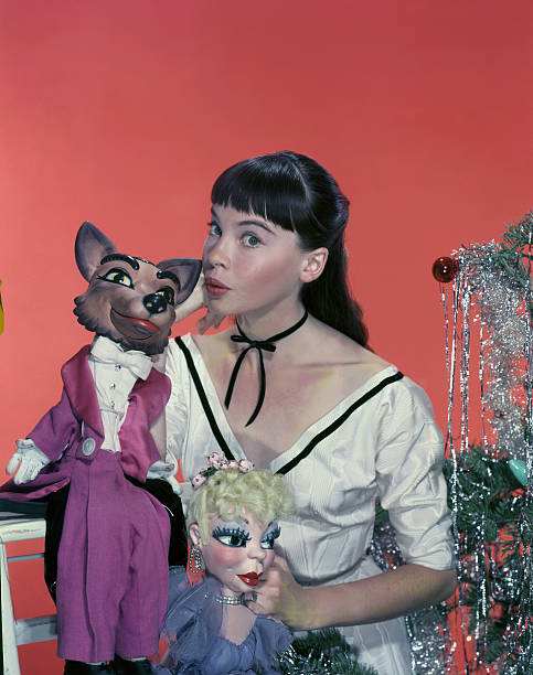 french-actress-and-dancer-leslie-caron-s