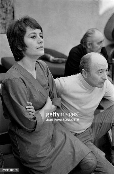 French actress Annie Girardot with director Michel Audiard on the set of the movie 'Elle boit pas elle fume pas elle drague pas mais elle cause' in...