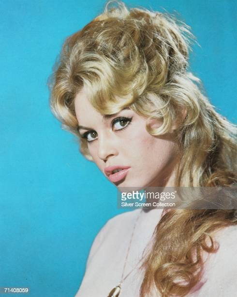 French actress Brigitte Bardot pouts at the camera circa 1960