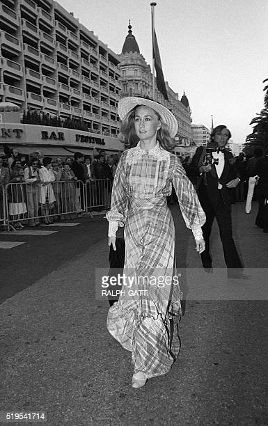 French actress Brigitte Fossey arrives for the screening on May 13, 1977 during Cannes Film Festival. AFP PHOTO RALPH GATTI / AFP / RALPH GATTI