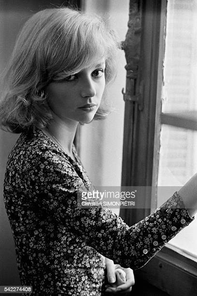 French actress Caroline Cellier on the set of the film Les Aveux Les Plus Doux directed by Edouard Molinaro