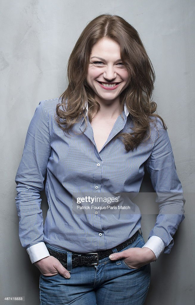 Emilie Dequenne, Paris Match Issue 3388, April 29, 2014