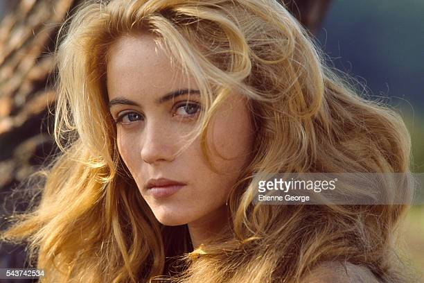 French actress Emmanuelle Beart on the set of Manon des Sources directed by French director screenwriter and producer Claude Berri Emmanuelle Beart...