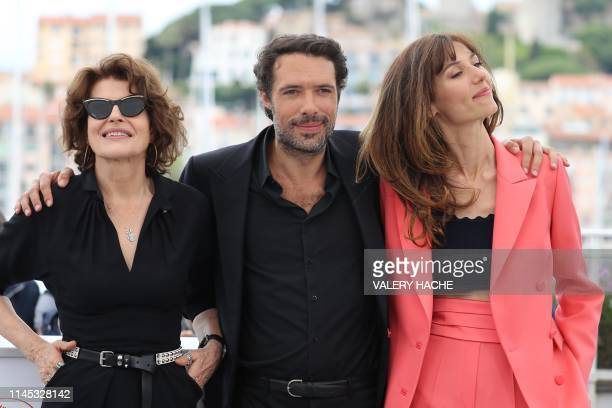 French actress Fanny Ardant French director Nicolas Bedos and French actress Doria Tillier pose during a photocall for the film La Belle Epoque at...