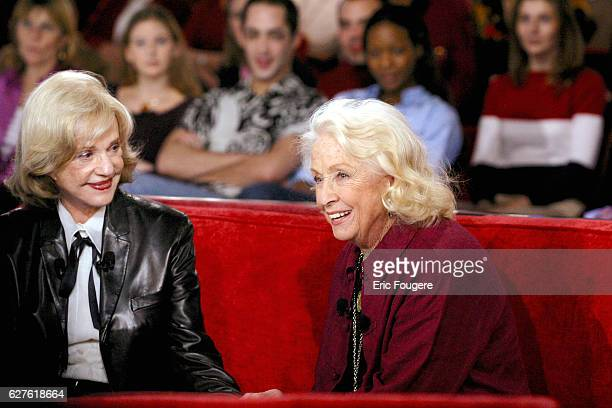 French actress Jeanne Moreau and guest Danielle Darrieux during the sunday show 'Vivement Dimanche' presented by Michel Drucker