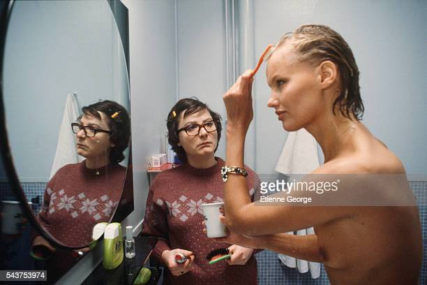 French actress Josiane Balasko and Ariane Larteguy on the set of the film Les Hommes Preferent les Grosses directed by French director JeanMarie Poire