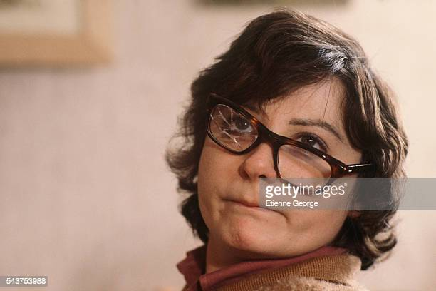 """French actress Josiane Balasko on the set of the film """"Les Hommes Preferent les Grosses"""" , directed by French director Jean-Marie Poire."""