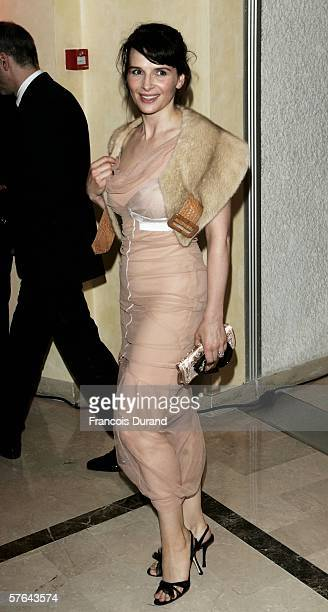 French actress Juliette Binoche attends the Opening Ceremony dinner at the Palais during the 59th International Cannes Film Festival May 17 2006 in...