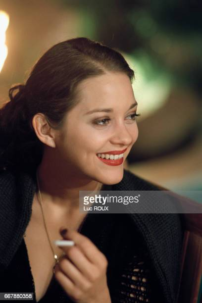 French actress Marion Cotillard on the set of the film Les Jolies Choses based on the novel by Virginie Despentes and directed by Gilles PaquetBrenner