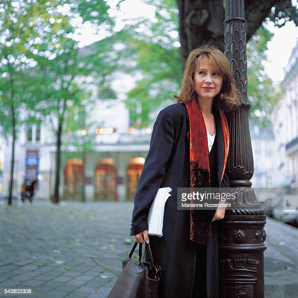 French actress Nathalie Baye in front of the Théâtre de l'Atelier in Paris where she is playing in 'La Parisienne' by French playwright Henry Becque