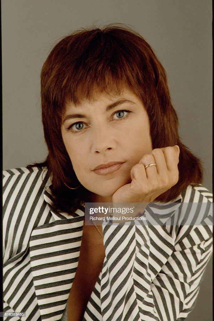 French Actress Nicole Calfan : Photo d'actualité
