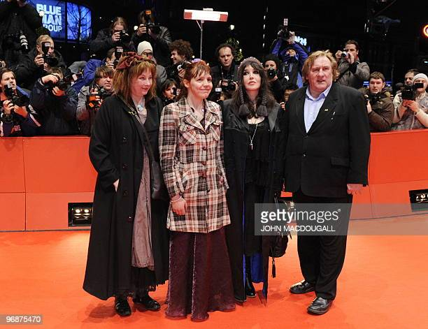 French actresses Yolande Moreau Miss Ming Isabelle Adjani and French actor Gerard Depardieu pose for photographers on the red carpet at the premiere...