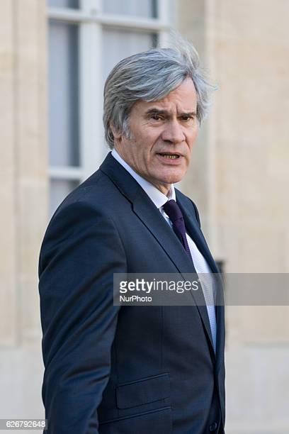 French Agriculture minister and Government spokesperson Stephane Le Foll leaves the Elysee palace on November 30 2016 after the weekly cabinet meeting